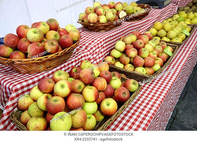 Local apples, Tolosa, Gipuzkoa, Basque Country, Spain