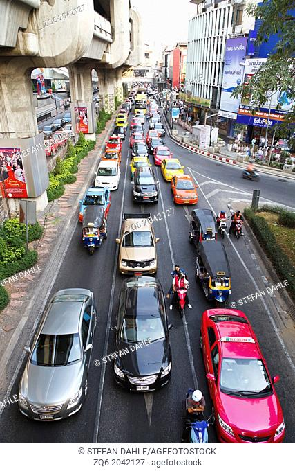 Rush Hour at the Siam Square in Bangkok, Thailand