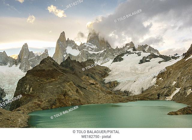 Monte Fitz Roy, - Cerro Chaltén -, 3405 metros, laguna de los Tres, parque nacional Los Glaciares, republica Argentina,Patagonia, cono sur, South America