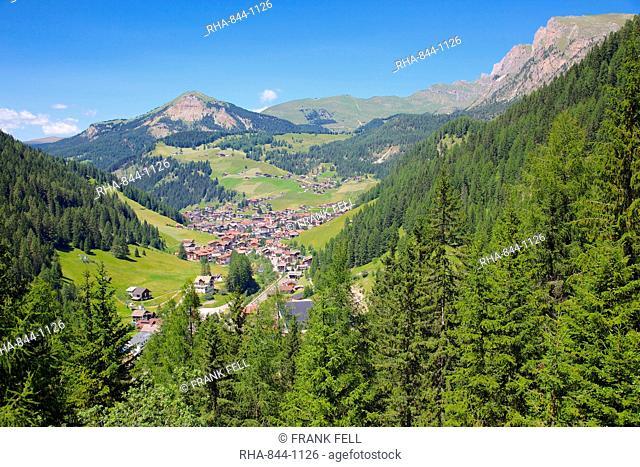 View over town, Selva Gardena, Gardena Valley, Bolzano Province, Trentino-Alto Adige/South Tyrol, Italian Dolomites, Italy, Europe
