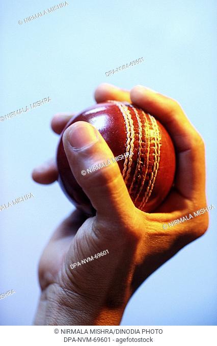 Bowler holding cricket ball in finger MR 201