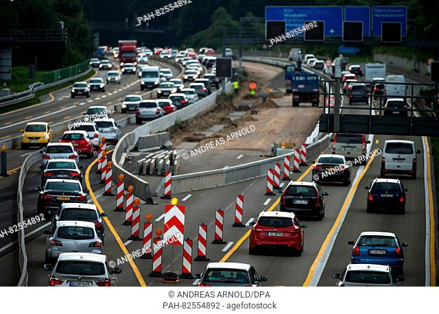 TRAFFIC JAMS AND RISK OF ACCIDENT THROUGH HIGHWAY CONSTRUCTION (8/5