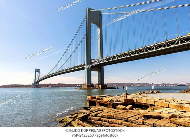 New York, USA. The Staten Island / Verrazano Narrows Bridge between Brooklyn and Staten Island, as seen from Shore Parkway