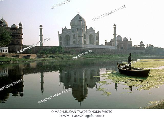 7th Wonder of The World Taj Mahal , Agra , Uttar Pradesh , India