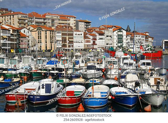 Lekeitio harbor, Biscay, Basque Country, Spain, Europe