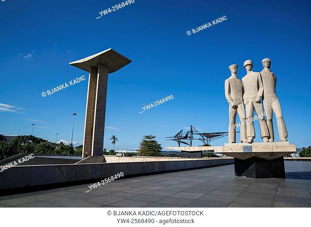 """Monument to the dead of World War II, granite statue by Alfredo Ceschiatti â. """" honouring the personnel of Brazil's land, sea, and air forces, Rio de Janeiro"""