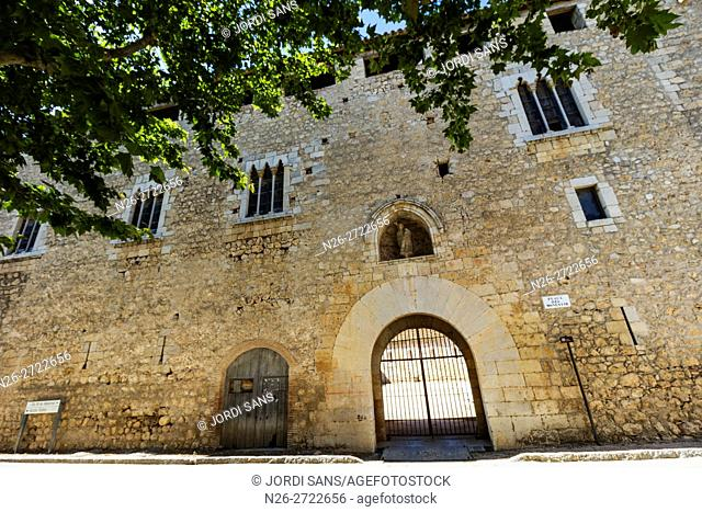 Canonica de Santa Maria de Vilabertran. Palau Abacial (Abbot Palace). Romanesque. XI-XV centuries. Vilabertran