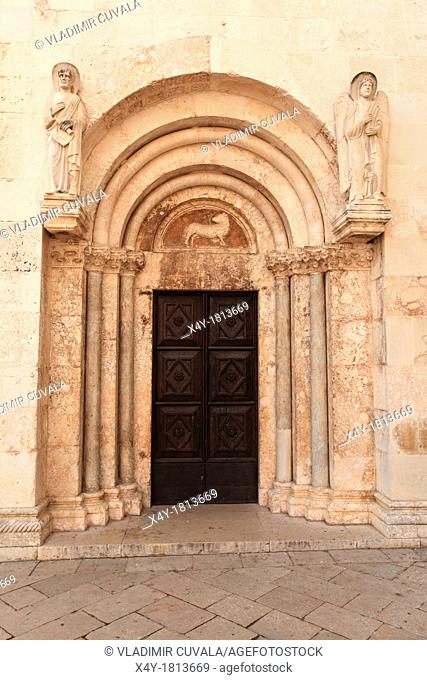 Arched doorway at the St  Anastasia cathedral in Zadar, Croatia