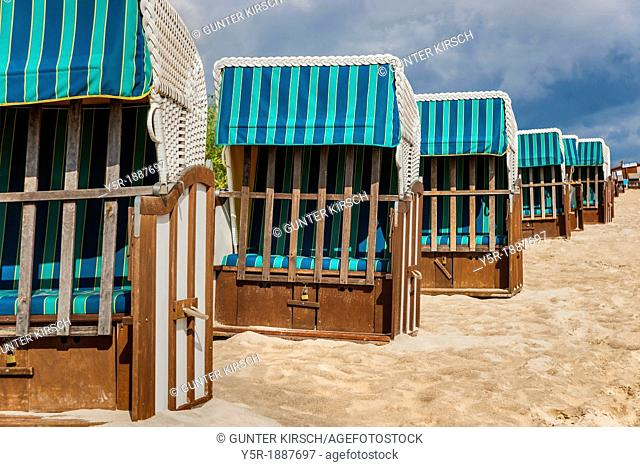Beach chairs at the Baltic Sea beach, Baltic resort Bansin, Usedom Island, County Vorpommern-Greifswald, Mecklenburg-Western Pomerania, Germany, Europe