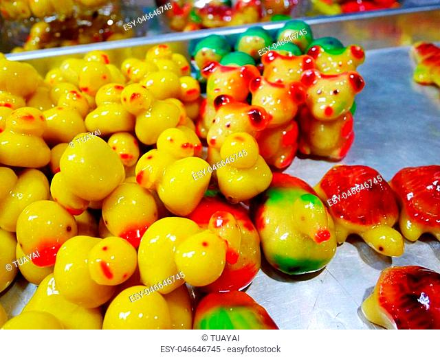 Deletable Imitation Fruits and Animals (Kanom Look Choup) - this dessert, many people think of a various kind of colorful animals and fruits is one of the...