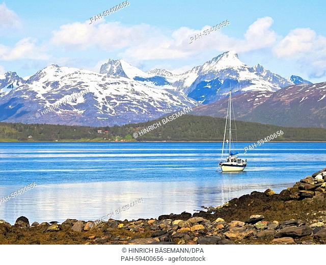 sailing summer in northern Norway, june 2015 | usage worldwide. - Tromsö/Norway