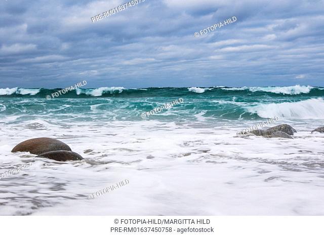 Waves at Utakleiv beach, Leknes, Vestvågøy, Vestvågøya, Lofoten, Nordland, Norway, March 2017 / Brandung am Utakleiv Strand, Leknes, Vestvågøy, Vestvågøya