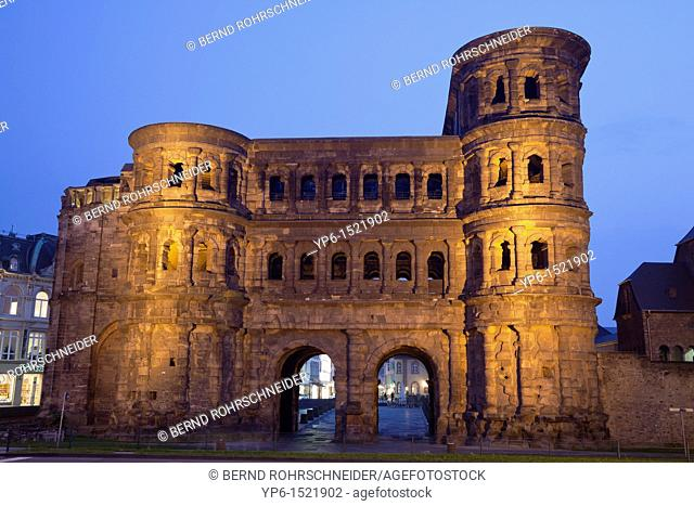 Porta nigra, ancient city gate, World Heritage Site, illuminated at night, Trier, Germany