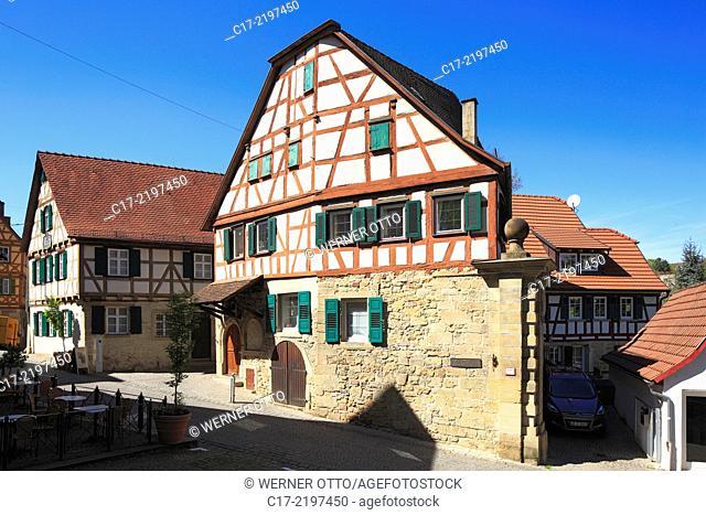 Germany, Marbach am Neckar, Neckar, Swabian Franconian Forest, Baden-Wuerttemberg, old town, birth house of poet Friedrich Schiller (left), Niklas town gate
