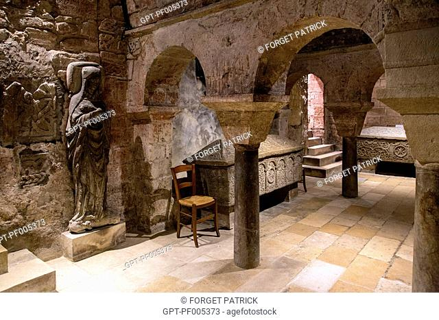 THE CRYPT IN THE SAINT-SEURIN BASILICA, LISTED AS A WORLD HERITAGE SITE BY UNESCO, CITY OF BORDEAUX, GIRONDE (33), FRANCE