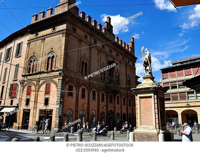 Italy, Emilia Romagna, Bologna, Palazzo Francia, Piazza di Porta Ravegnana...