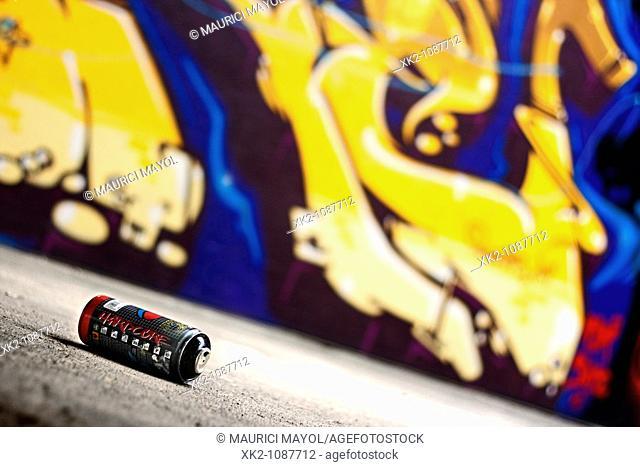 detalle de un pote de spray para grafitis