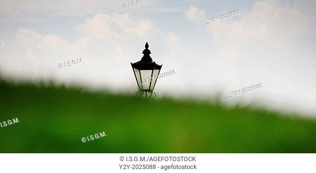 Street lamp with ground