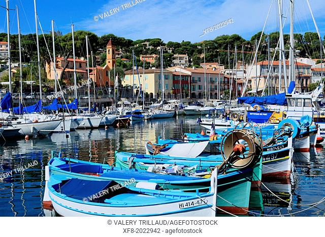 The picturesque fishing village of Saint Jean in the Cap Ferrat, Alpes-Maritimes, French Riviera, Provence-Alpes-Côte d'Azur, France