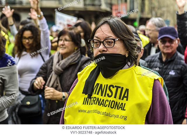 Barcelona, Catalonia, Spain. 18nd Mar, 2018. A woman in the demonstration for fair pensions. Pensioners & young people from all around Spain took part in a...