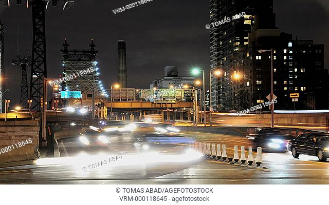 Rush hour traffic on the Ed Koch Queensboro 59th Street Bridge, Midtown Manhattan, New York City, USA
