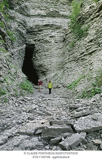 Grotto, Grotte-à-la-Patate, Anticosti, Québec, Canada