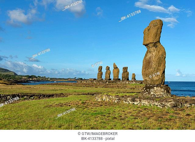 Moais at the Tahai ceremonial complex, Hanga Roa, Rapa Nui National Park, Unesco World Heritage Site, Easter Island, Chile
