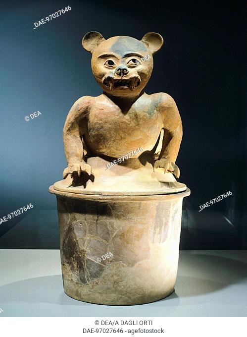 Terracotta zoomorphic incense burner, height 64,5cm, width 22cm. Artifact originating from the Valley of Sula, Field Pineda site (Honduras)