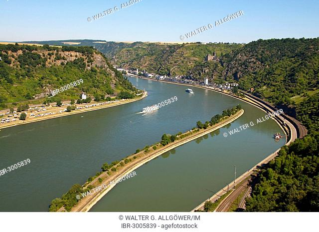 Excursion boats, Rhine River curves