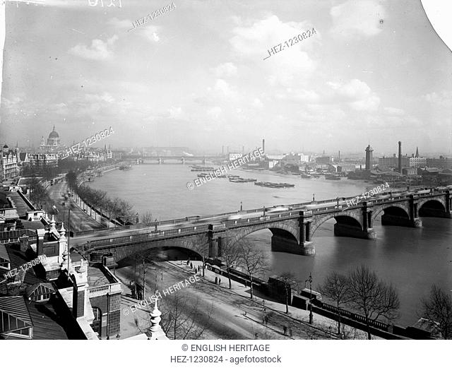 Waterloo Bridge and the River Thames, looking east from the Savoy Hotel towards the City and St Paul's Cathedral. The bridge was built in 1811-17 and designed...