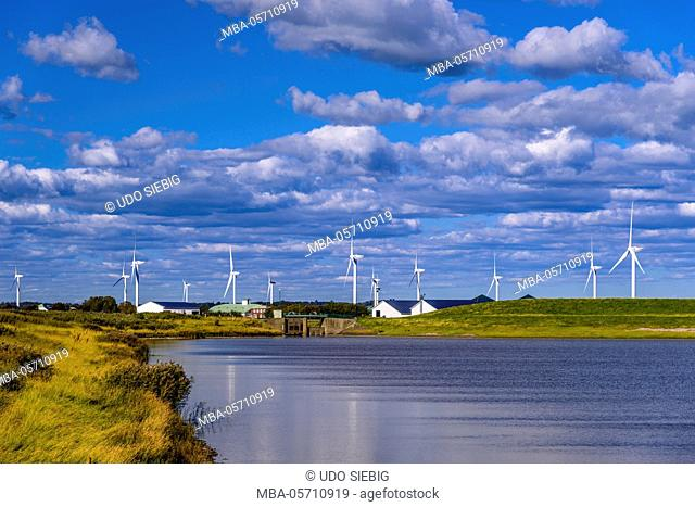 Germany, Schleswig-Holstein, North Frisia, peninsula north beach, Beltringharder Koog, close 'Sönke-Nissen-Schleuse' Lüttmoorsee, wind power stations