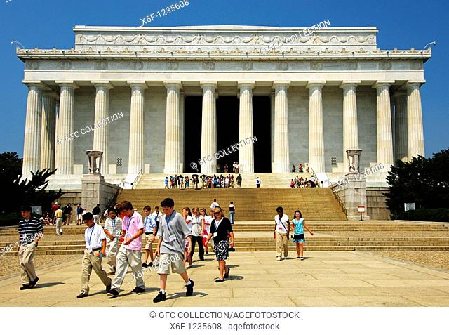 Students of the National Young Leaders Conference NYLC at the Lincoln Memorial, Washington D C , USA