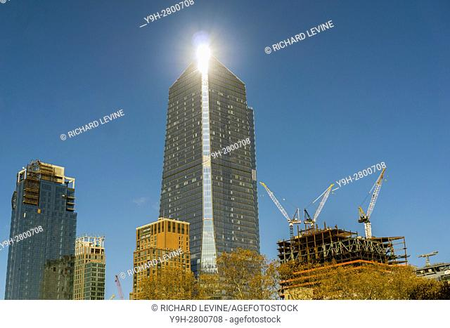 10 Hudson Yards, center, and other Hudson Yards development in New York