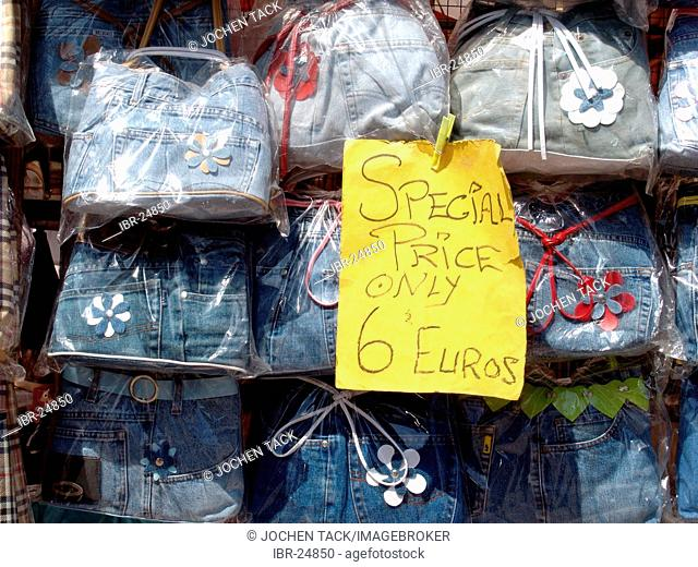 ESP, Spain, Balearic Islands, Mallorca, Aalcudia : weekly market in the old town