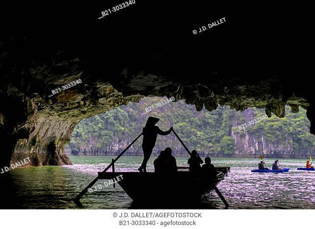 Vietnam, Ha Long Bay: Ha Long Bay is a UNESCO World Heritage Site and popular travel destination in Quang Ninh Province, Vietnam