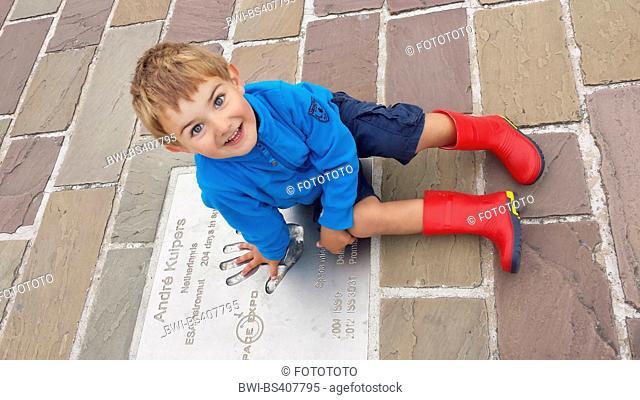 little boy on a commemorative plate , Netherlands