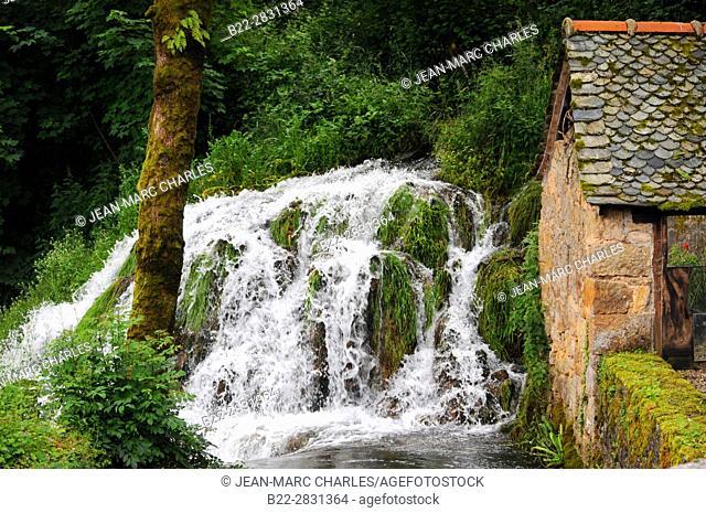 Waterfall, Muret-le-Château, North-Aveyron, Midi-Pyrénées, Occitanie, France