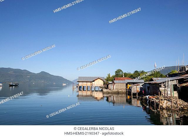 Indonesia, Lesser Sunda Islands, Alor Island, Kalabahi, house on the seaside