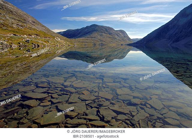 Lake Djupvatnet, surrounded by mountains, reflected in the calm and clear water, Maråk, Marak, Geiranger, Moere og Romsdal, Norway, Europe