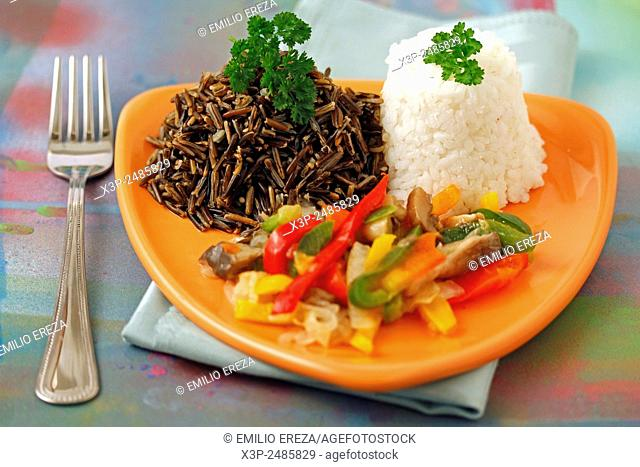 Two rices with vegetables and mushrooms