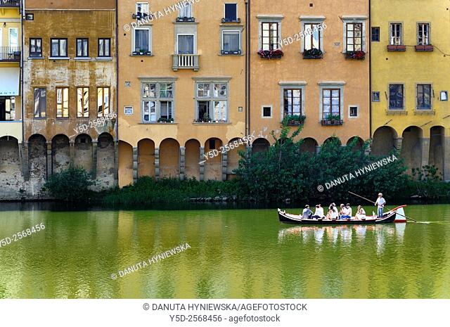 touristic gondola, Arno river, old town of Florence, Tuscany, Italy, Europe