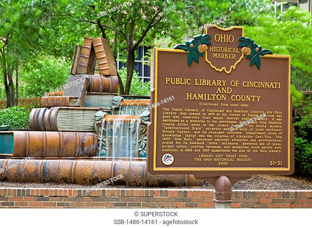 USA, Ohio, Cincinnati Public Library historic plaque
