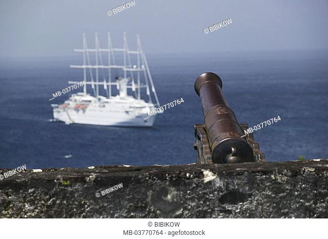 Grenada, St. George's, fort George, Battlement, detail, cannon, sea gaze,  Cruise ship 'club Med 2' Caribbean, West Indian islands, little one Antilles