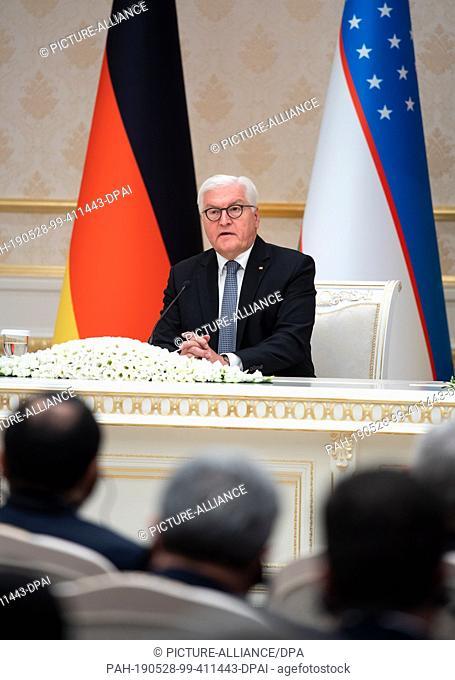 28 May 2019, Uzbekistan, Taschkent: Federal President Frank-Walter Steinmeier will speak at a press conference with the President of Uzbekistan, Mirsijojew