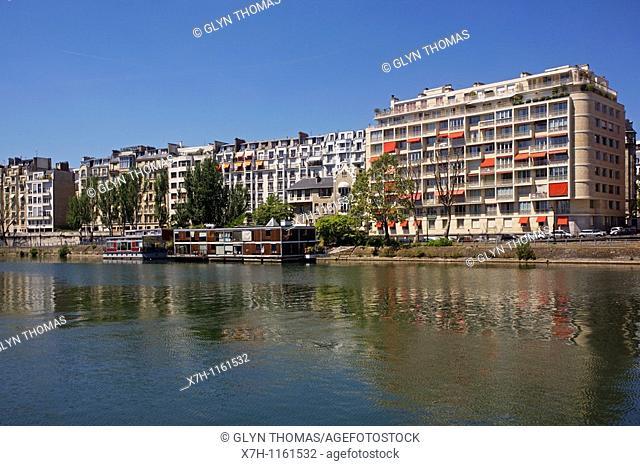Passy District 16th Arrondissement and River Seine, Paris, France
