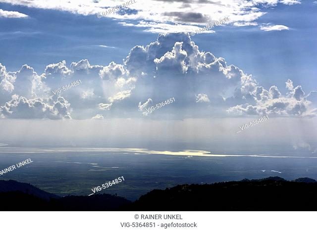 MMR , MYANMAR / BURMA / BIRMA : Rain clouds in Mon-State , 06.11.2015 - Kinpun, Mon-State, Myanmar, 06/11/2015