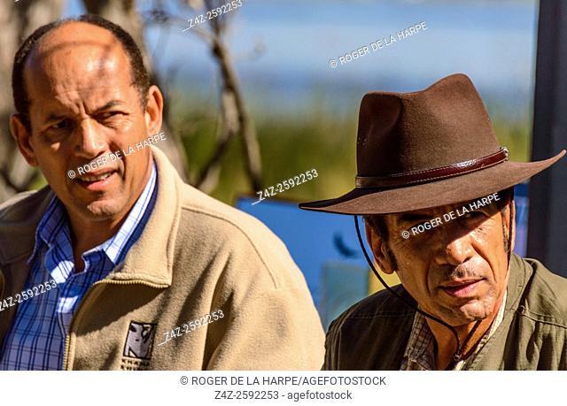 Tshekedi Khama II (left and President Lieutenant General Seretse Khama Ian Khama (right). Botswana
