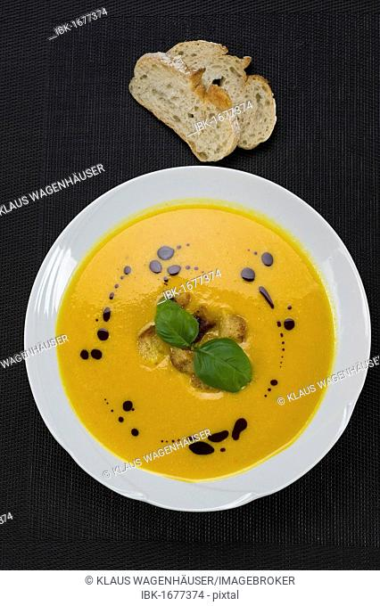 Pumpkin cream soup with croutons