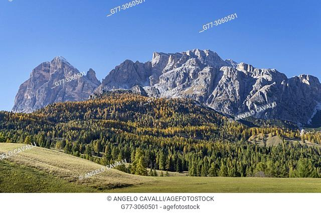 Italy. Alps. The Dolomites in the region of the 'Tre Cime di Lavaredo'. near Cortina d'Ampezzo