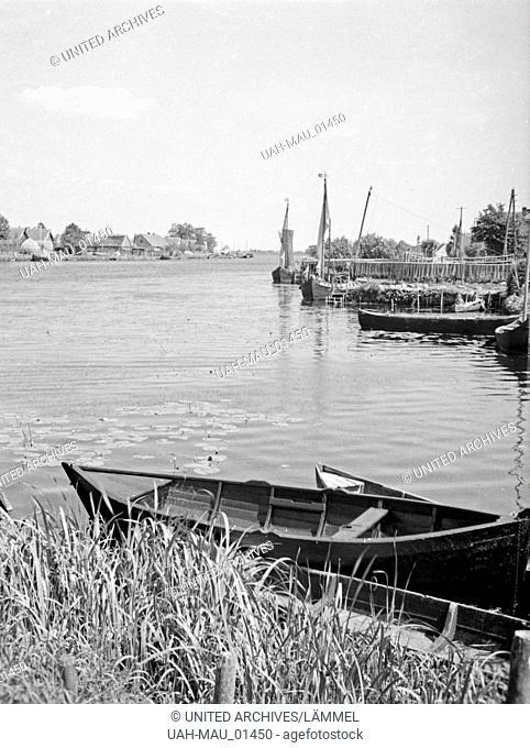 Der Karkelstrom im Memeldelta in Ostpreußen, 1930er Jahre. The river Karkel in the Memel delta, East Prussia, 1930s